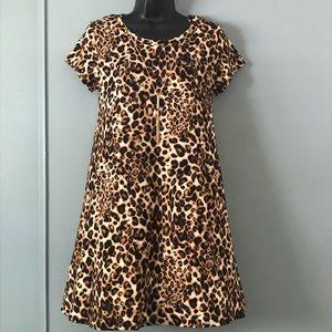 NWT Medium Leopard print Mini w/gold necklace